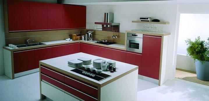 недорогая мебель под заказ - Мебель на заказ по индивидуальному проекту СПб. Обновляя мебель в квартире или при переезде, каждый из нас задумывается о выборе предметов мебели и меблировки квартиры. Вариантов приобретения мебели предлагается масса: мебельные магазины полны разнообразных предложений, выгодных акций, отдельных элементов мебели и кухонных гарнитуров на любой вкус, в то же время есть возможность заказать мебель как в магазине, так и в интернете. Но как бы производители готовой мебели ни старались угодить всем и каждому, планировки квартир и вкусы людей всё равно очень разнятся, а потому многие приходят ко мнению, что индивидуальный заказ мебели куда лучше, чем поиски подходящей готовой. Производители мебели на заказ также предлагают большой выбор: вы найдете и недорогую мебель на заказ по индивидуальным размерам, так и шикарные идеально спланированные под ваше помещение дорогие проекты. Индивидуальный проект мебели на заказ. Заказ мебели по индивидуальному проекту подразумевает учет всех особенностей вашего помещения, а также все ваши пожелания касательно будущего изделия. При таком заказе вам не придется ломать голову, как же разместить вот этот понравившийся шкаф в комнате или где бы найти такую же кровать, но с уникальным дизайном и формами. При составлении проекта будущей мебели дизайнер учитывает пожелания и возможности, консультируя клиента об особенностях изготовления именно такого изделия. Заказывая мебель по индивидуальным размерам недорого, вы получаете: 1.Продуманный проект мебели по индивидуальным размерам, идеально подходящий по форме и габаритам; 2.Возможность скрыть мебелью некоторые изъяны помещения; 3.Максимально оптимальное использование пространства вашего помещения с помощью меблировки; 4.Мебель, воплощающая ваши пожелания и соответствующее вашим представлениям о красоте; 5.Подходящий по цвету и стилю элемент меблировки интерьера, подобранный заранее к остальным элементам. В каких случаях полезно заказать индивидуальную мебель? Сущест